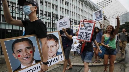 ap_snowden_hong_kong_protest_lt_130613_wg