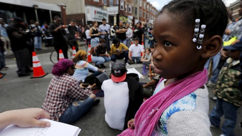 baltimore-protest-aheadcurfew.si